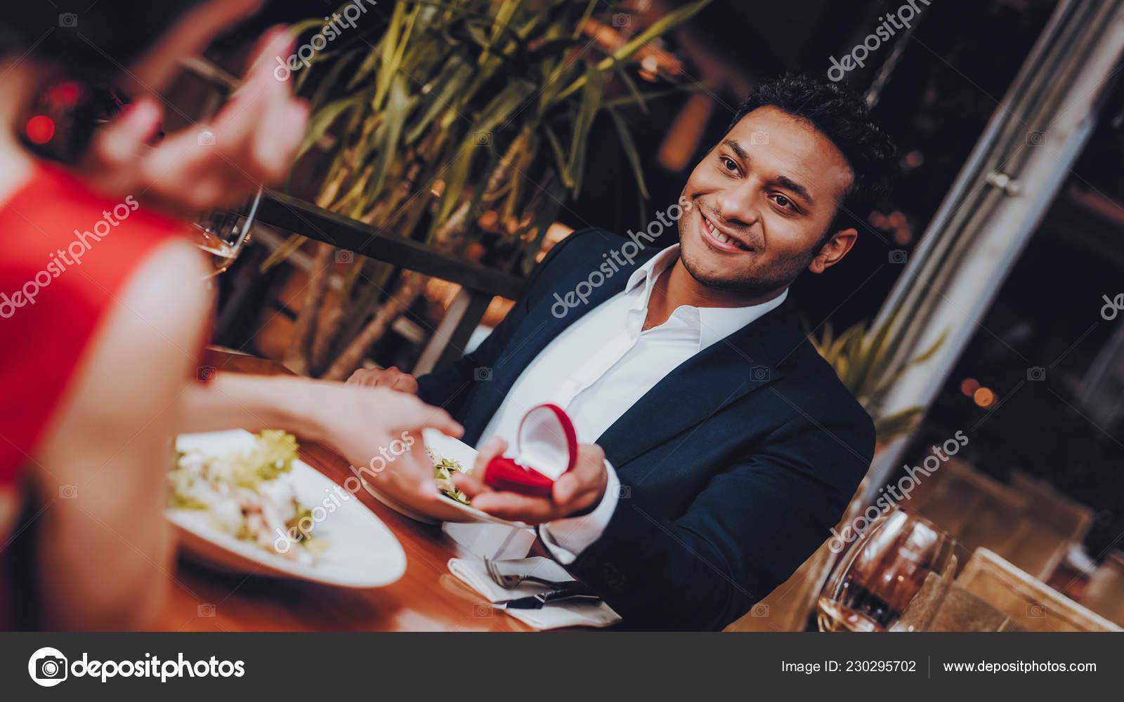 Wat te weten over dating een Hispanic man