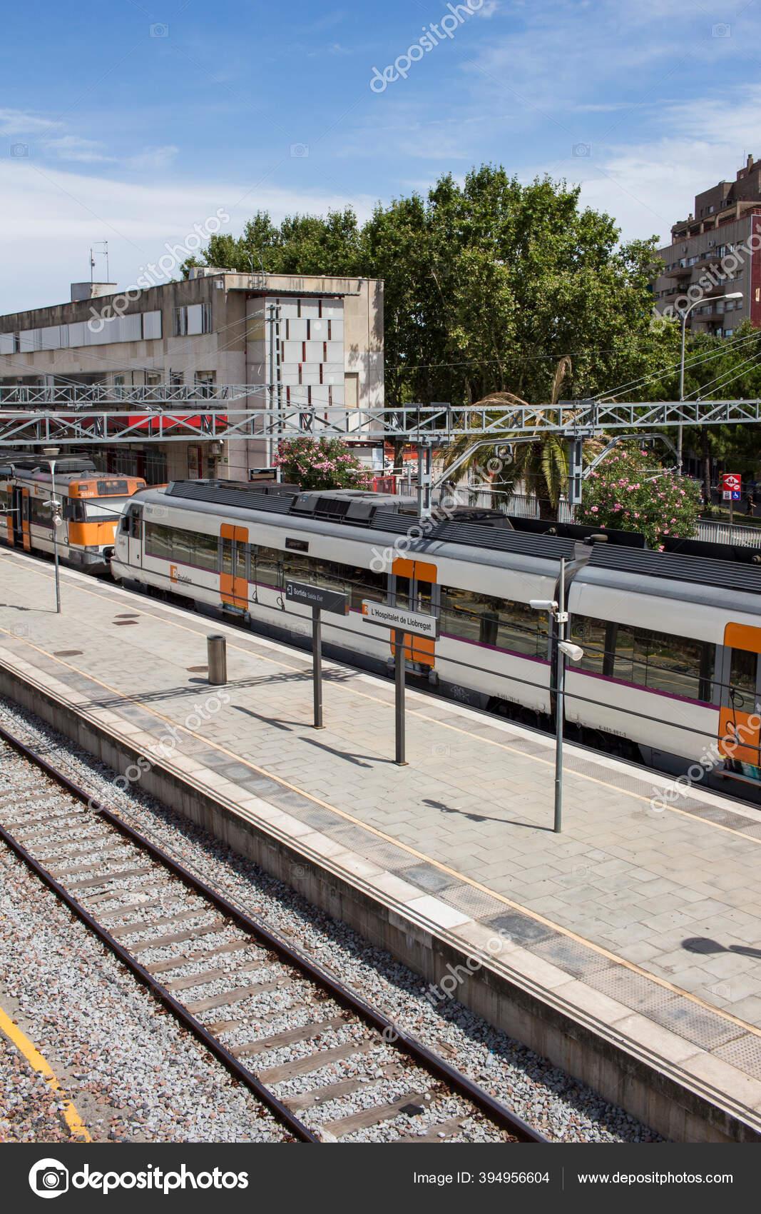 Hospitalet Llobregat Estación Tren Barcelona Cataluña España Julio 2020 Foto Editorial De Stock Elisag 394956604