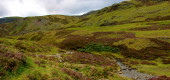 Wanderweg im Cairngorms National Park. Braemar in Royal Deeside, Aberdeenshire, Schottland, Großbritannien.
