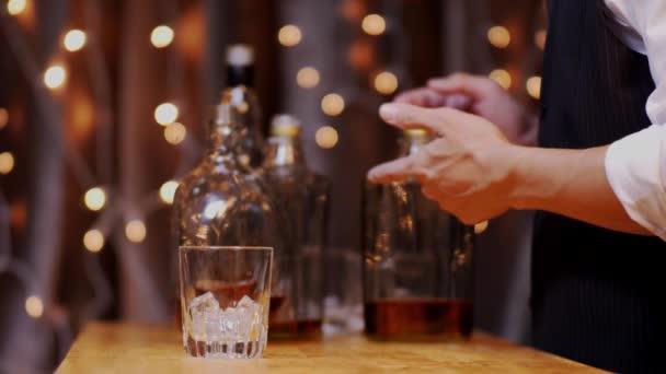 Ünnepeljük a whiskyt egy baráti partin az étteremben