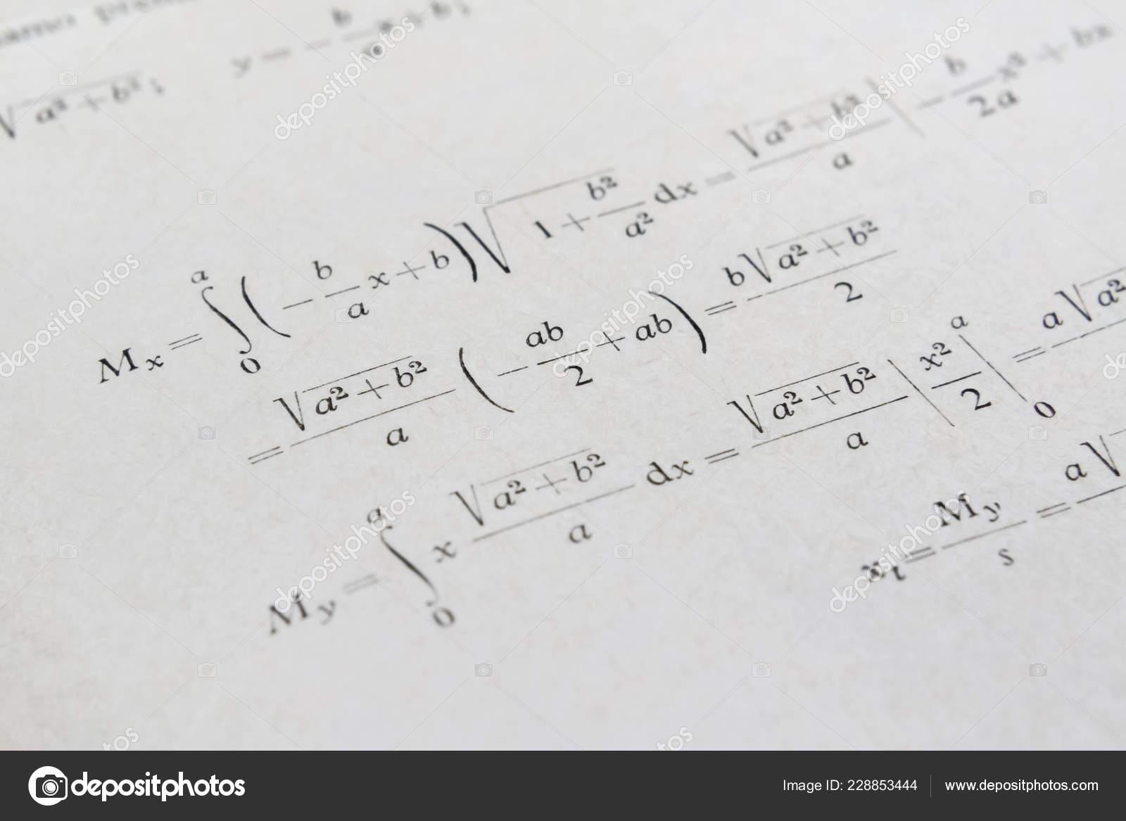integrali matematica  Primo Piano Libro Matematica Esempio Avanzato Con Integrali — Foto ...