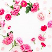 Fehér háttéren izolált, rózsaszín rózsából készült virágos keret. Fl