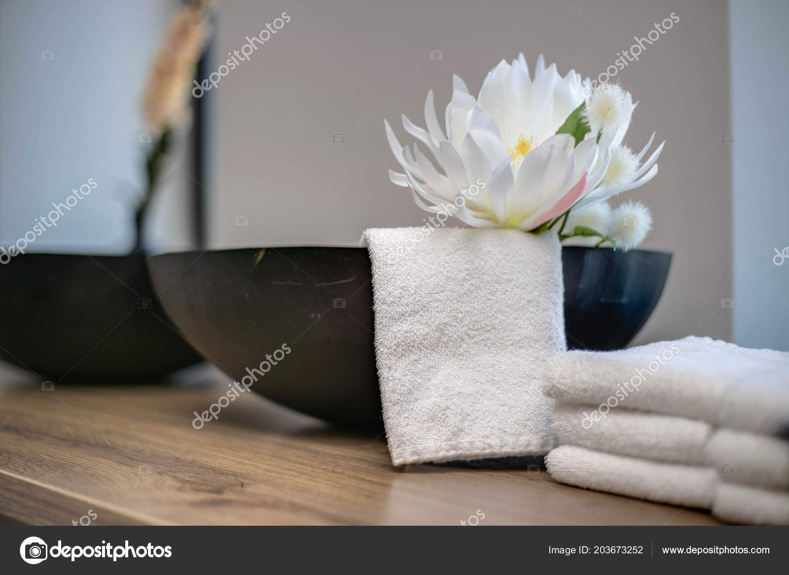 Pictures Small Beauty Salon Design Ideas Beauty Salon Table Close Up With Flower Decoration In A Spa Room And White Towels Stock Photo C Annebel146 203673252