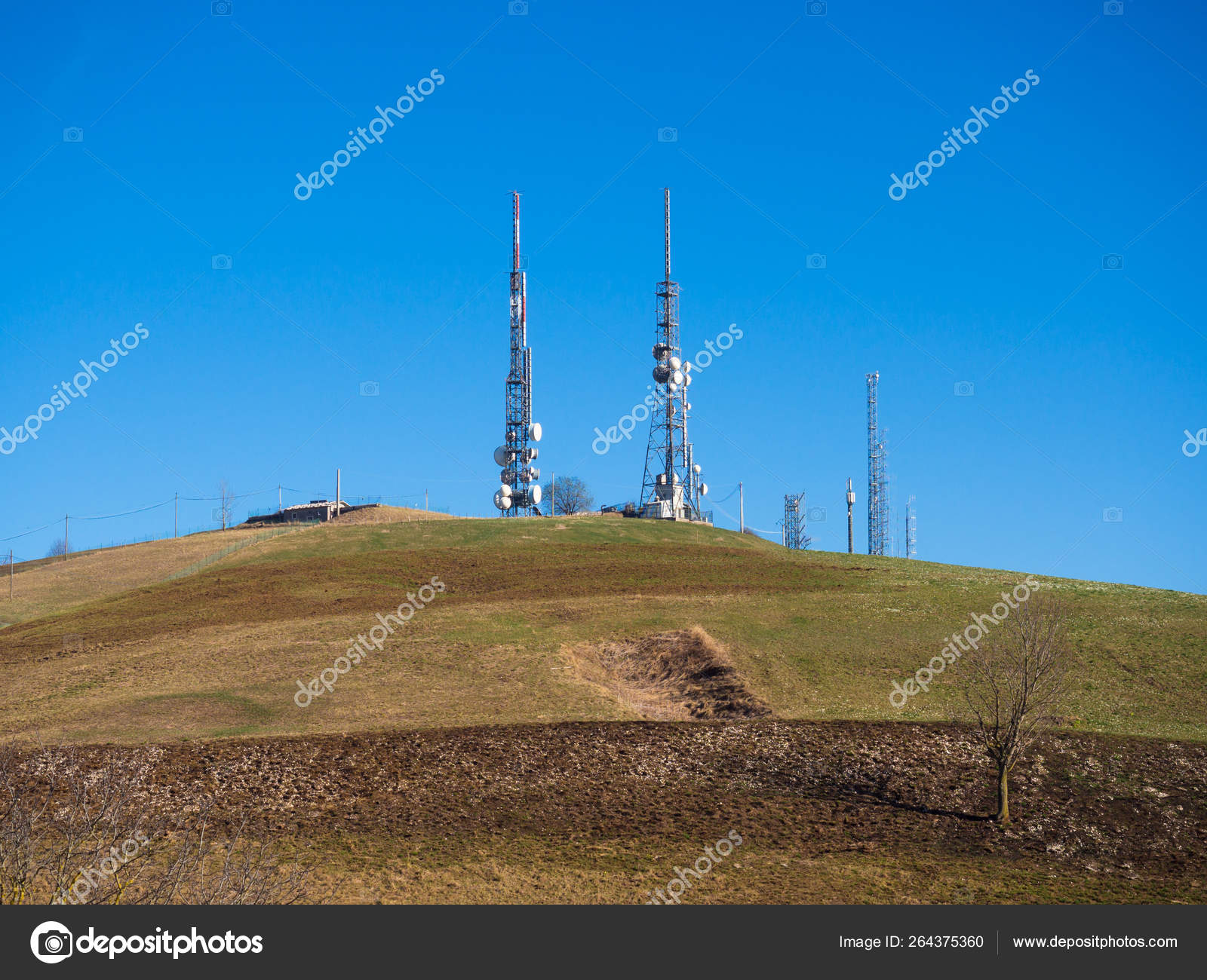 Hills with television antennas, telephone repeaters and wifi