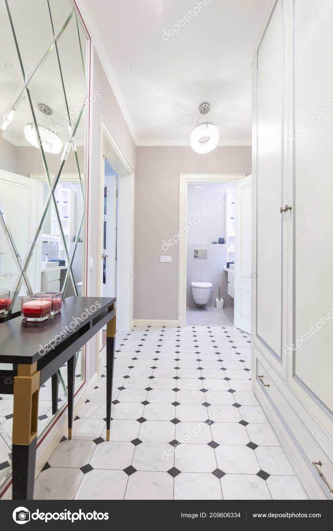 Design Intérieur Modèle Entrée Couloir Maison — Photographie ...