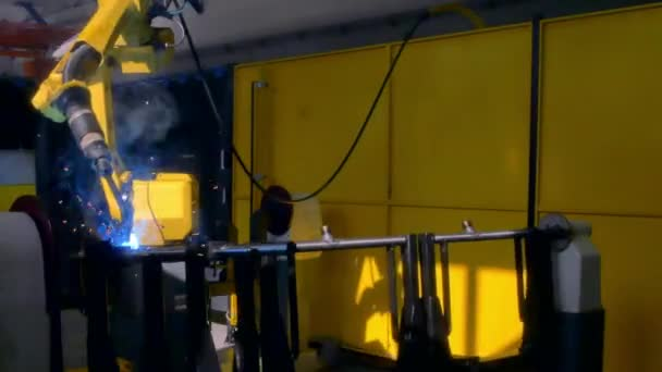 Laser, Argon Schweißen von Metall Eisen auf industrielle CNC-Maschine-Zeitraffer.