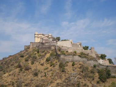 Kumbhalgarh is a Mewar fortress on the westerly range of Aravalli Hills, in the Rajsamand district near Udaipur of Rajasthan state in western India