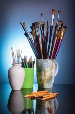 "Картина, постер, плакат, фотообои ""инструменты художника - кисти и карандаши"", артикул 396915454"