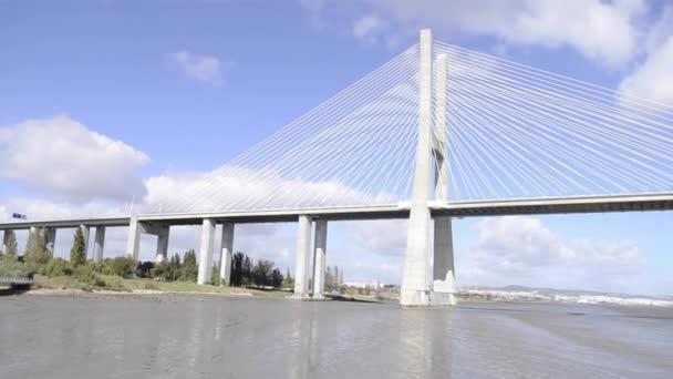 Most Vasco da Gama v Lisabonu