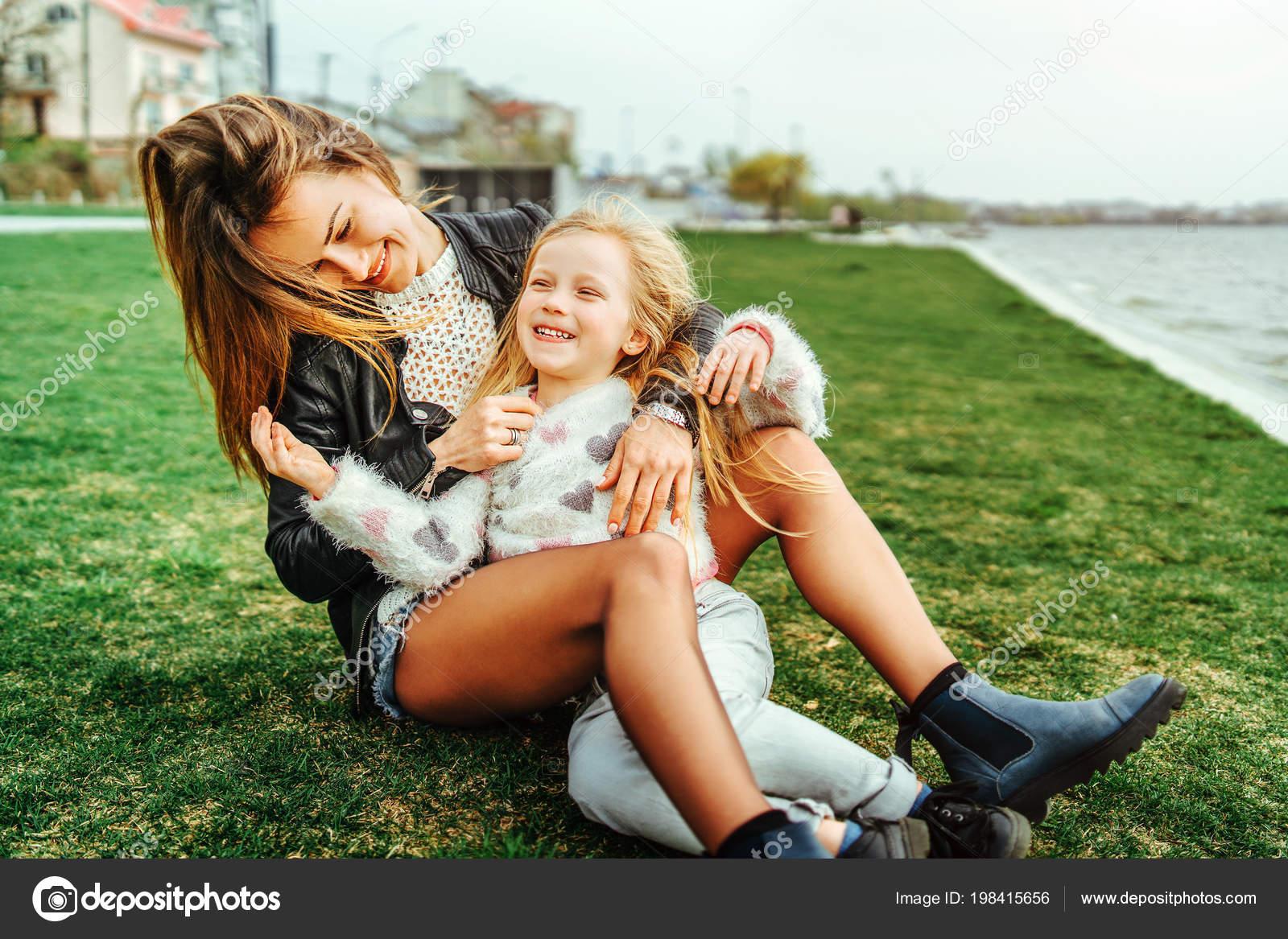 Читать на даче с дочкой, У подруги на даче » Эротические порно рассказы и секс 22 фотография