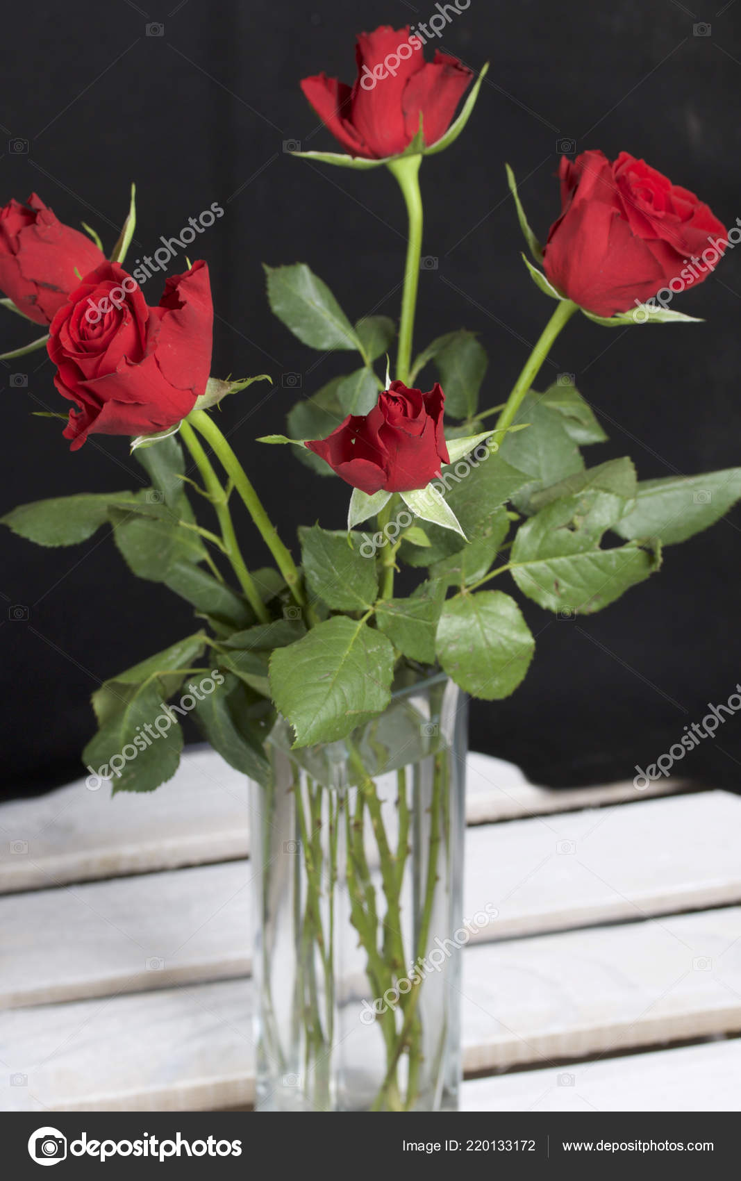 Bouquet Scarlet Roses Glass Vase Five Flowers Black Background Stock Photo C Depositvad 220133172
