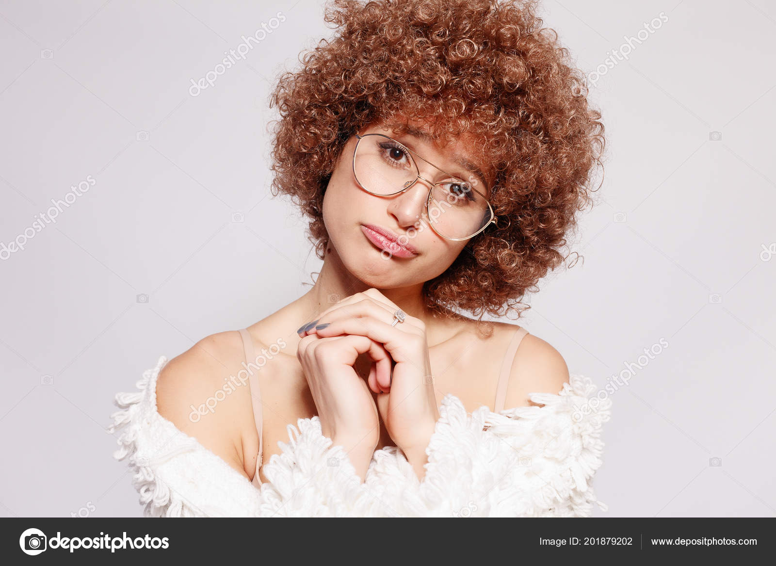 b40ce2fa6182 Portrait smiling young black woman portrait beautiful young woman jpg  1600x1167 Black girl red glasses