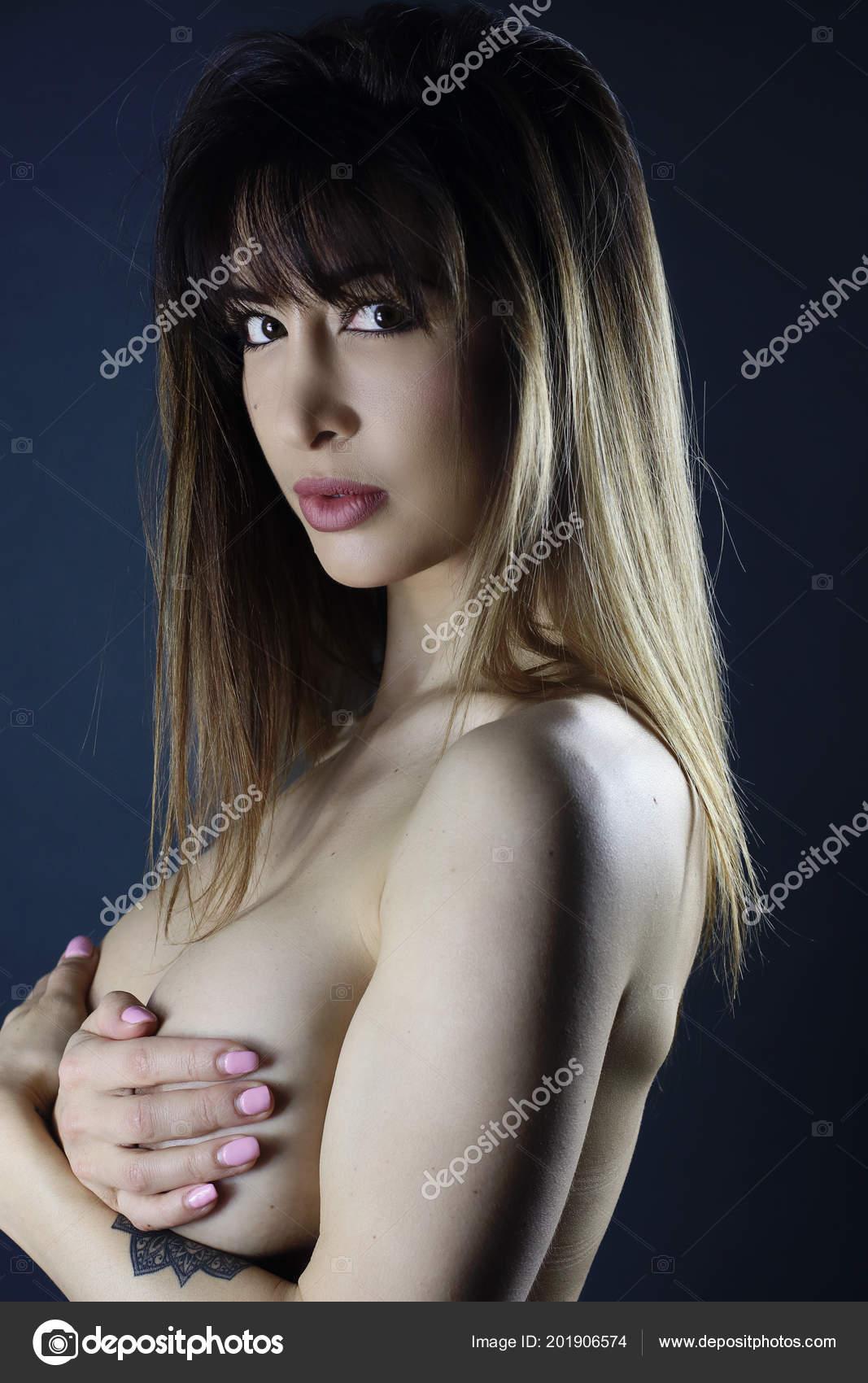 γυμνό κορίτσι τέλειο κορίτσι