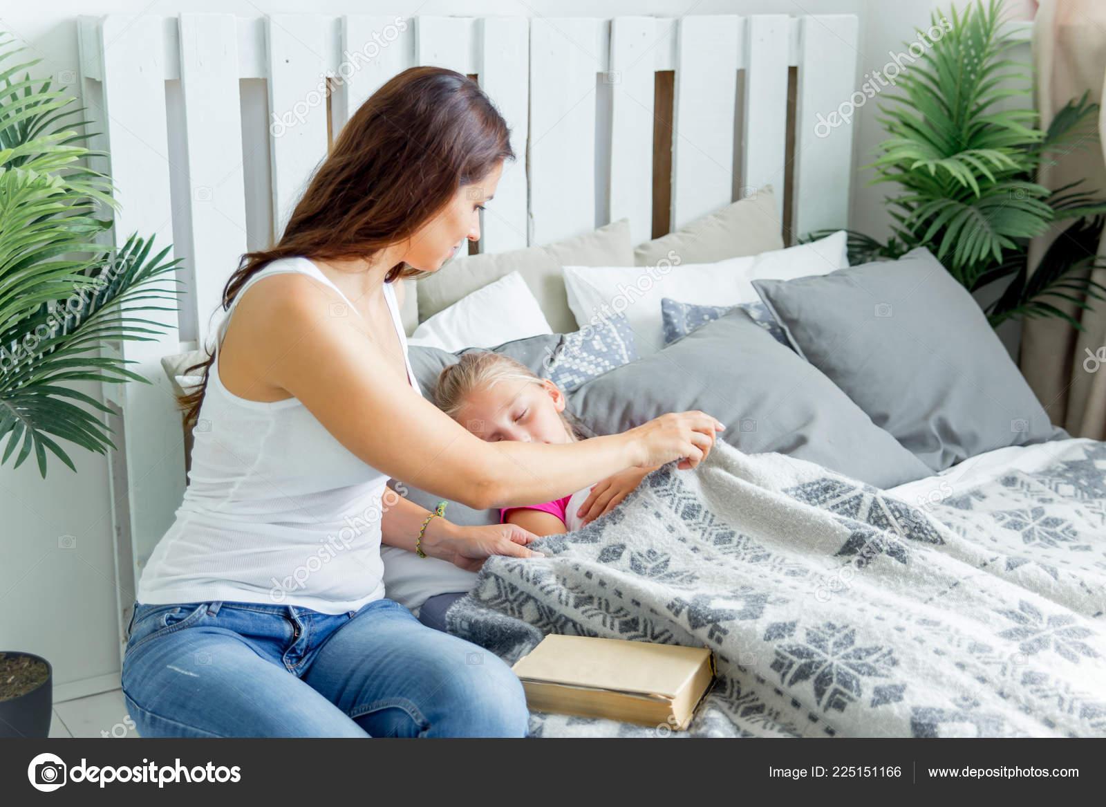 Трахает мать и кончает внутрь, Кончил в маму порно видео, кончил в мамку, маме 22 фотография