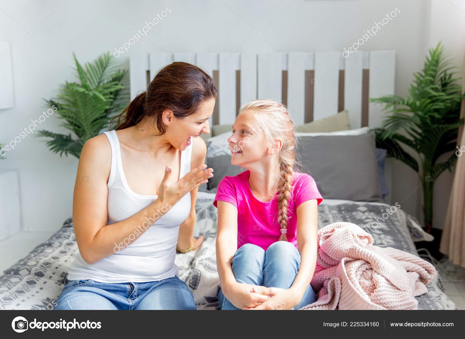 Трахает мать и кончает внутрь, Кончил в маму порно видео, кончил в мамку, маме 23 фотография