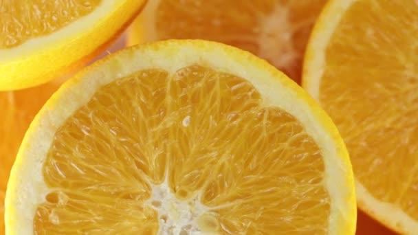 Narancs juice félbevágják