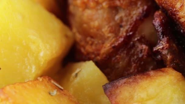 Kuře s brambory v troubě