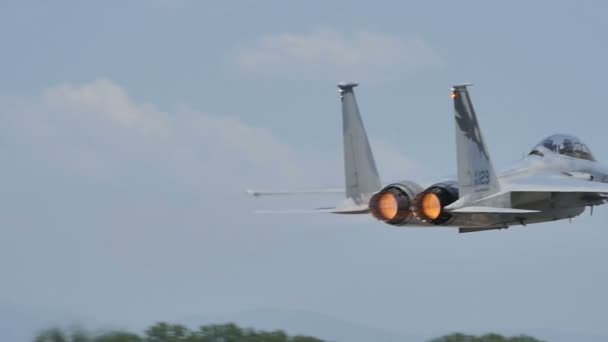 McDonnell F-15 Eagle der US-Luftwaffe startklar in Zeitlupe