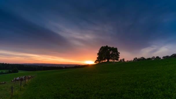 čas vypršení videa západ slunce