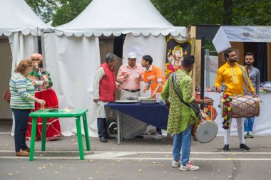 India Day, drummers