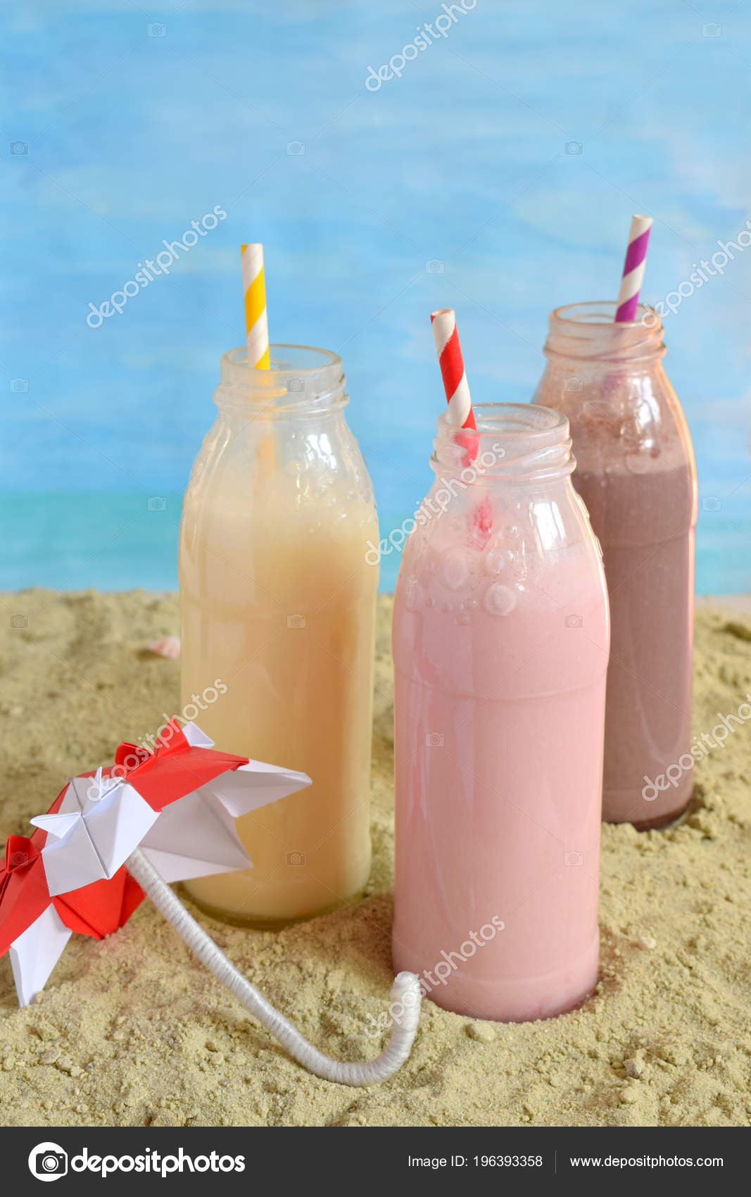 Trois Bouteilles Milk Shakes Chocolat Fraise Vanille Smoothie Bonne