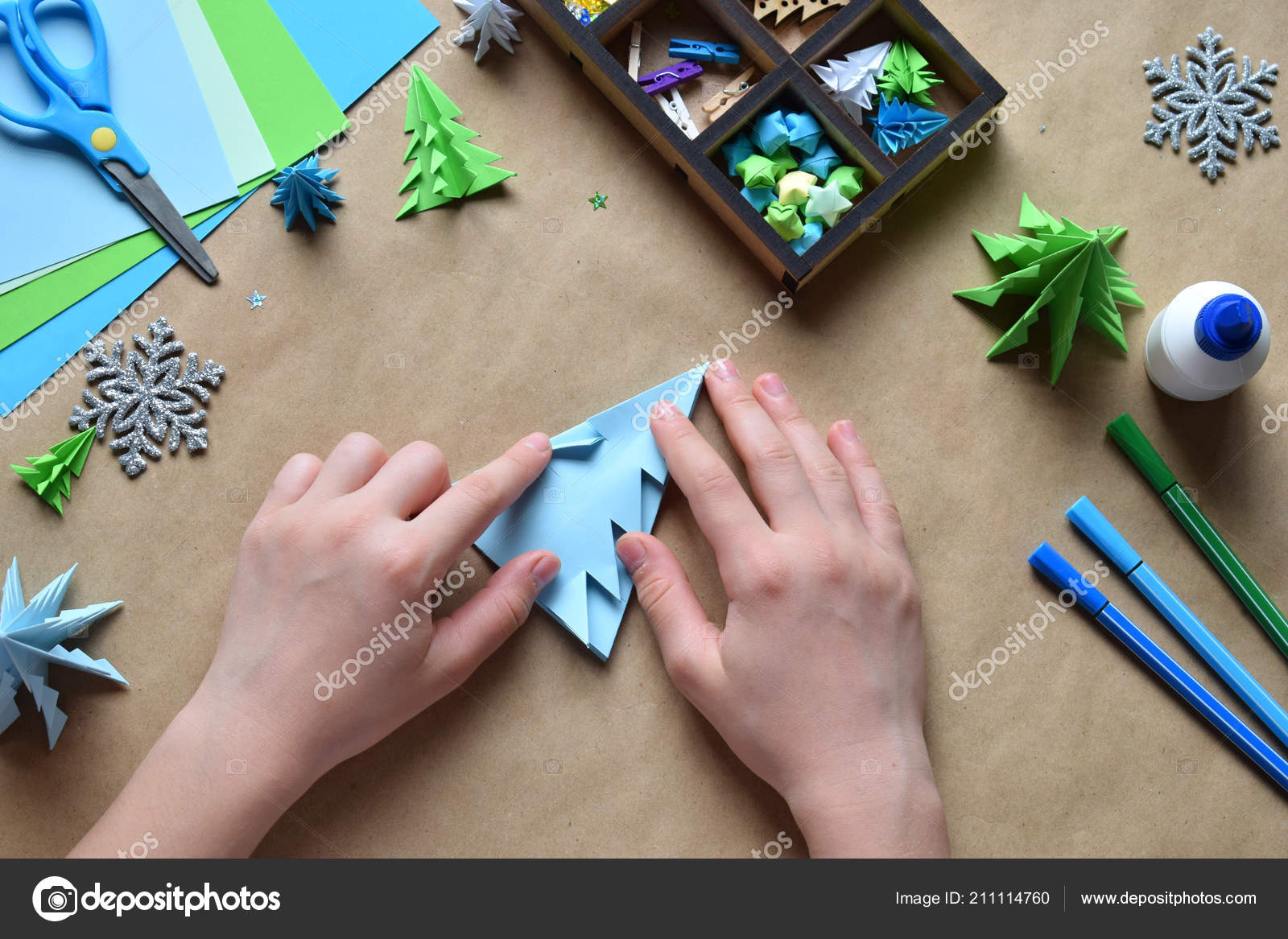 What Are the Different Types of Origami Christmas Crafts?   1167x1600