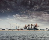 Fotografia Porto industriale con gru