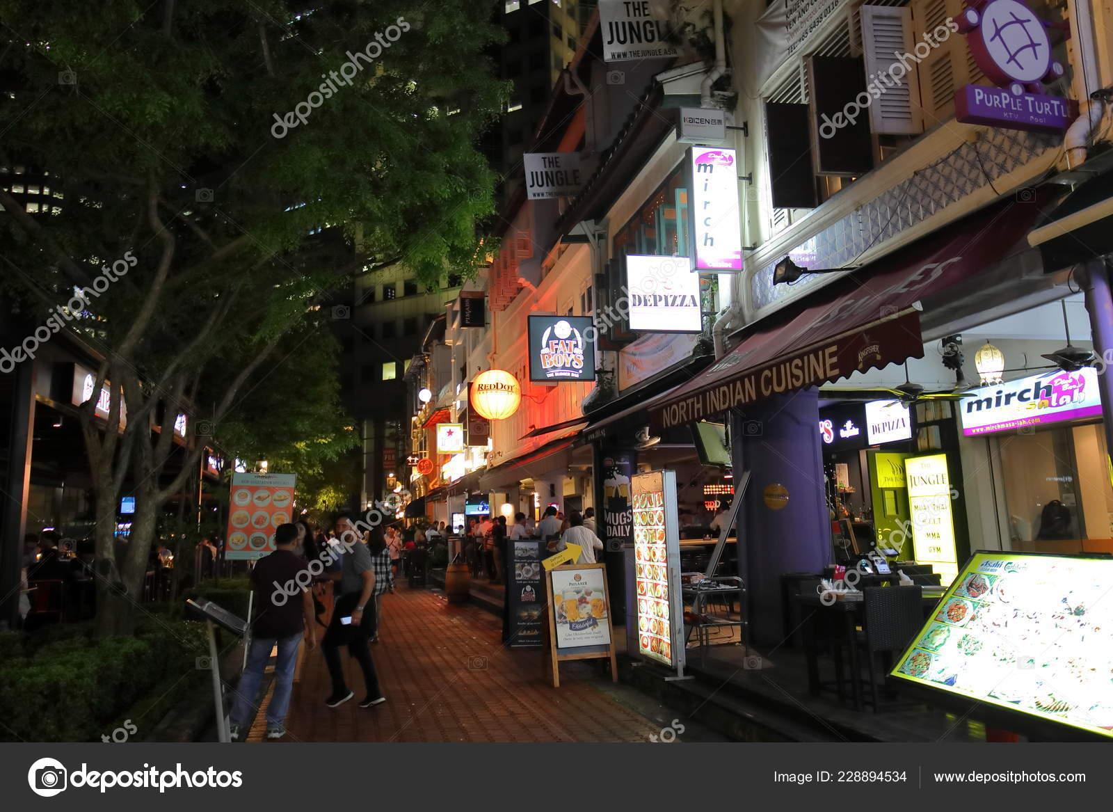 Singapore November 2018 Unidentified People Visit Boat Quay Outdoor Restaurant Stock Editorial Photo C Tkkurikawa 228894534