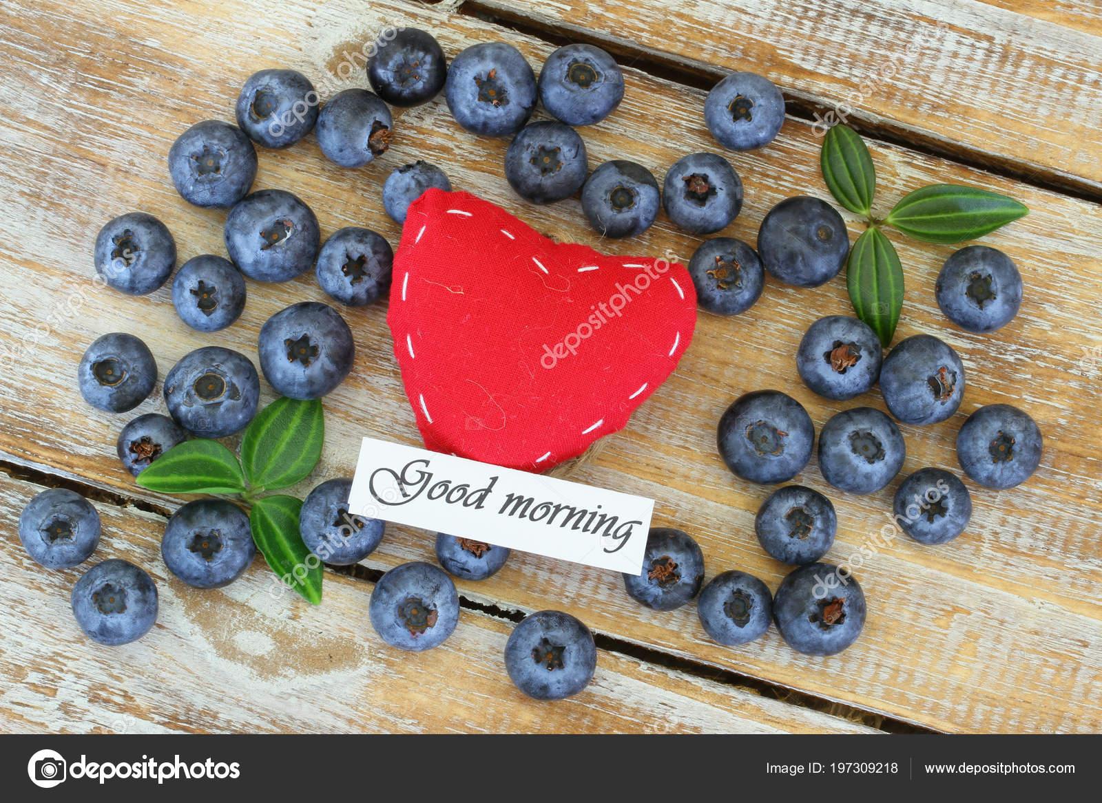 Guten Morgen Karte Rotes Herz Mit Heidelbeeren Stockfoto