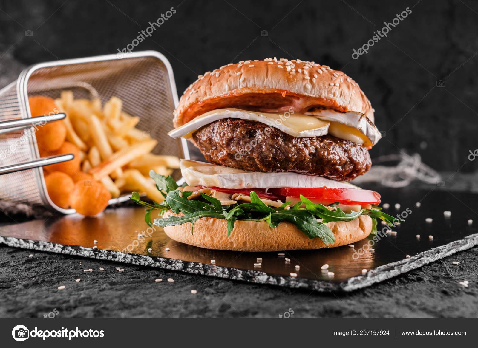 Обои котлета, Сэндвич, hamburger, Meat, Гамбургер, tomatoes, салат, булочка, Fast food, картошка фри, фастфуд, соус. Еда foto 16
