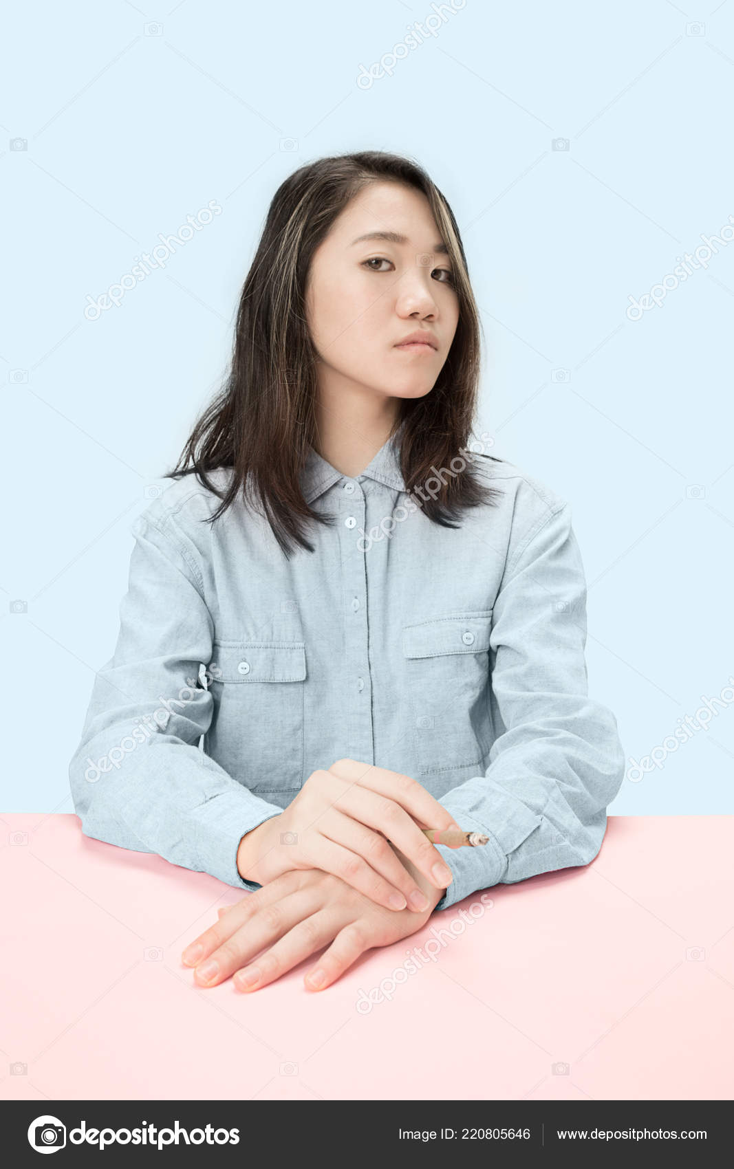 Korejská dívka kouření