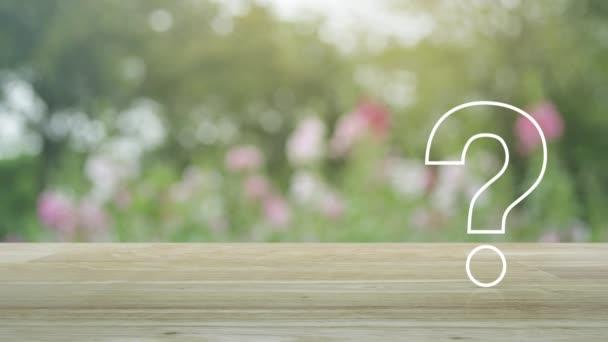Plochá ikona otazníku nad rozmazanou růžovou květinou a stromem v zahradě, Obchodní zákaznický servis a koncepce podpory