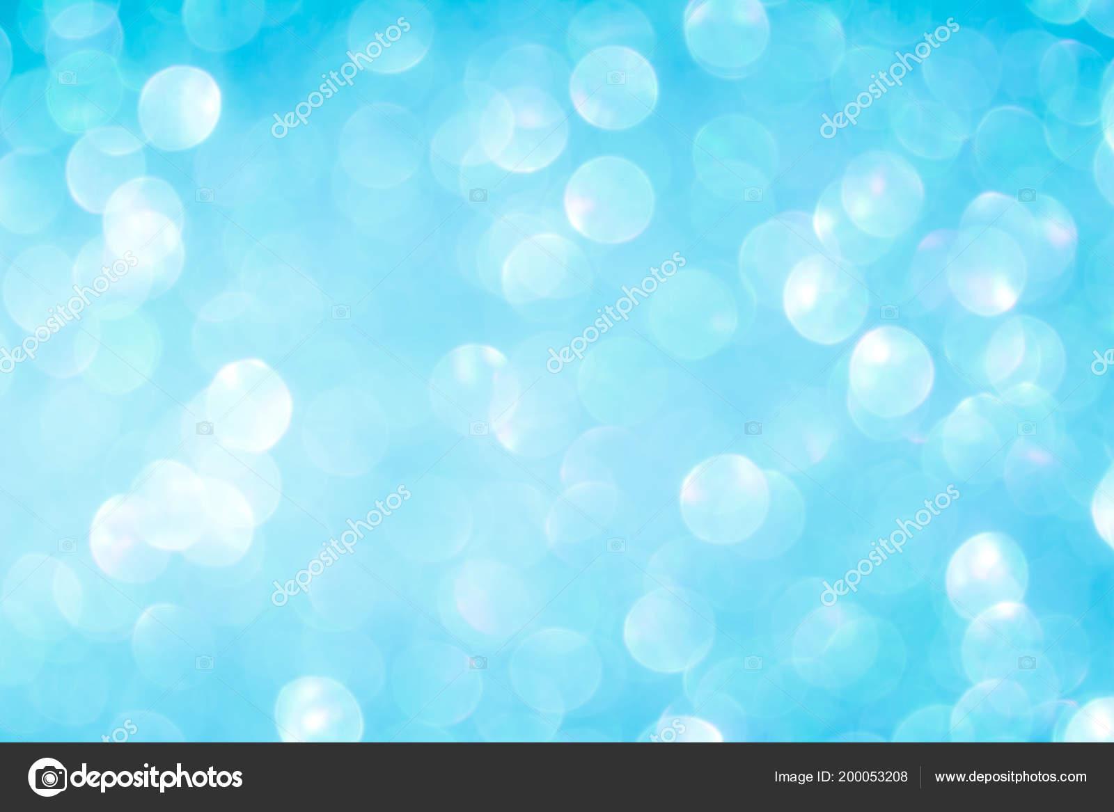 Blaue Weihnachtsbeleuchtung.Blaue Abstrakte Hintergrundunschärfe Weihnachtsbeleuchtung