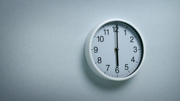 edb03bc8766 Parede Relógio Tiro Movimento — Vídeo de Stock © FyreStock  198760834