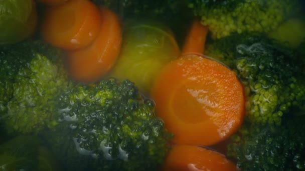 Vaření v páře voda zelenina