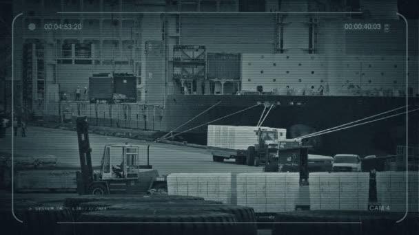 CCTV rušný přístav s pracovníky načítání loď