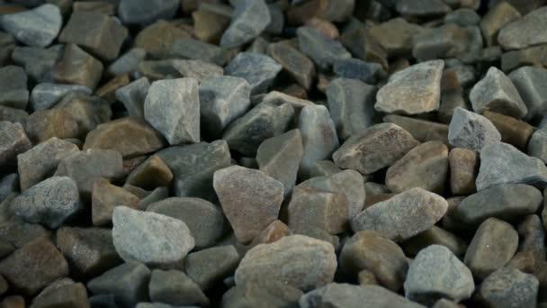 Hromada kamenů z dolu