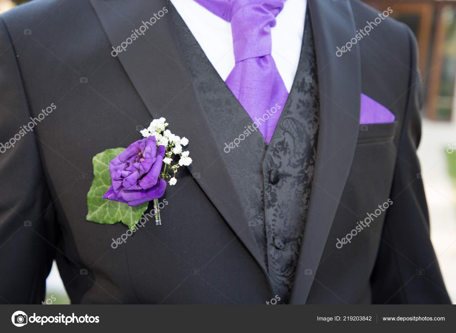 Close Beautiful Black Purple White Wedding Groom Suit