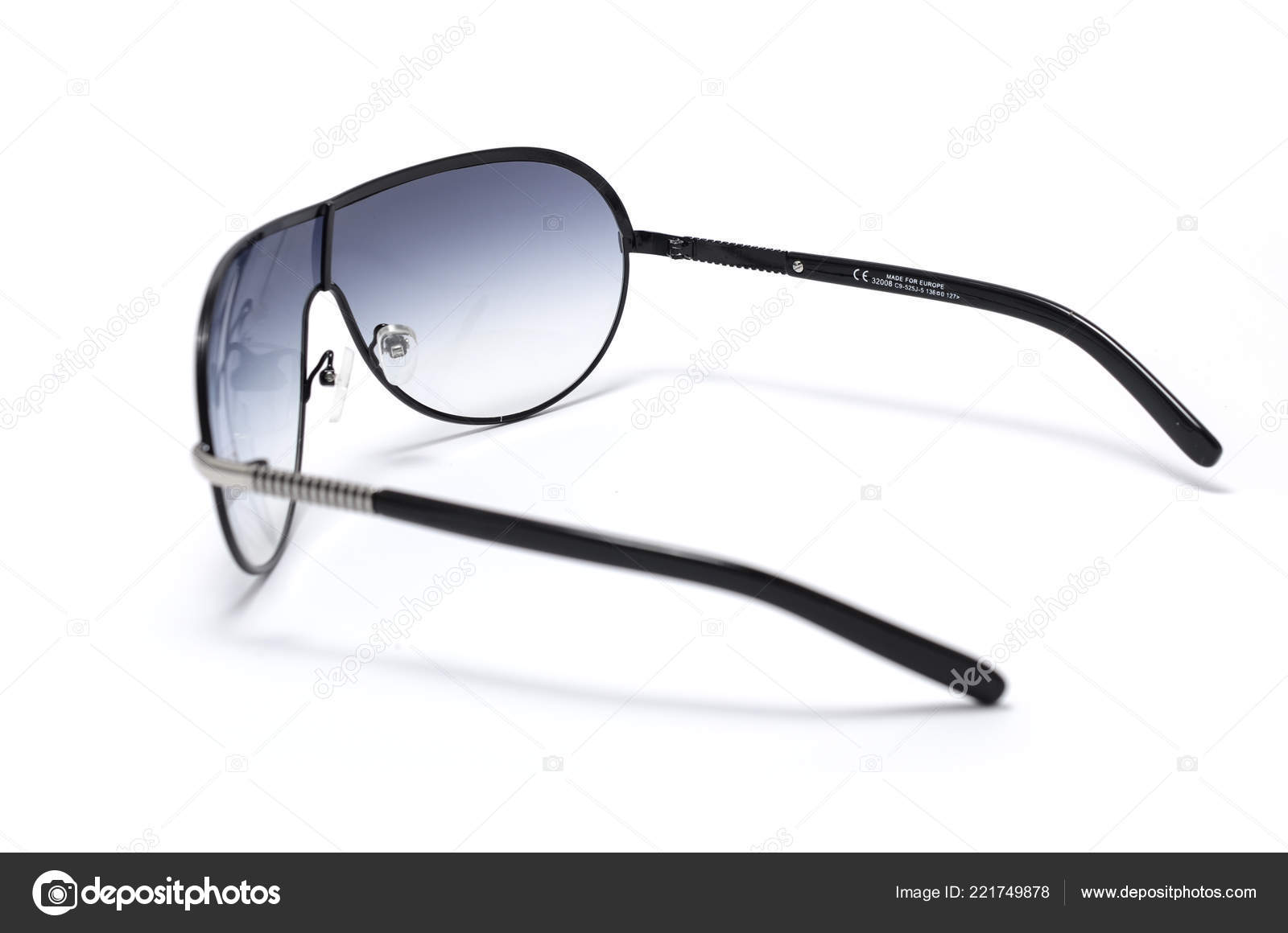 849414f91 Óculos Sol Masculino Armação Metal Isolado Branco — Fotografia de Stock