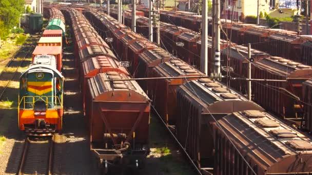 Rakomány tehervonatok depot.