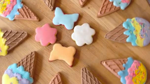 Soubory cookie s barevnými poleva