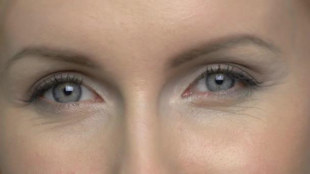 Detailní záběr Zralé Zenske očí.