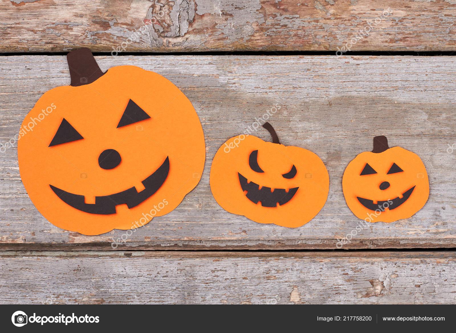 Siluetas De Papel Calabaza De Halloween Fotos De Stock C Denisfilm - Calabaza-de-papel