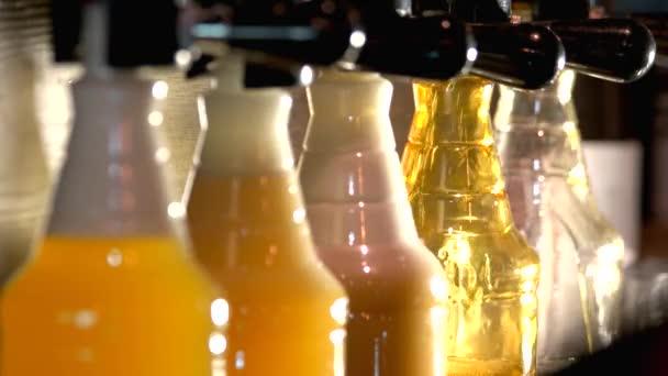 Csapolt sör üveg öntés