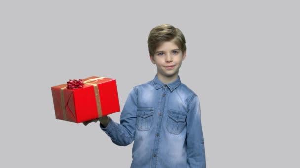 Szép kis fiú, largegift doboz.