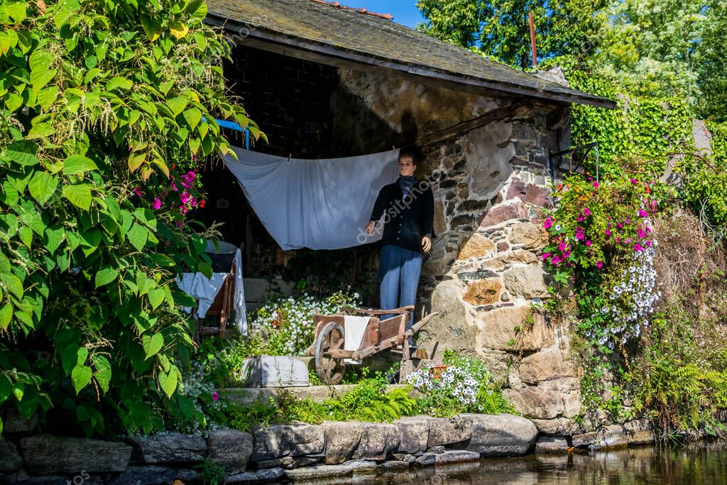 Village of Pontrieux in the Ctes-d'Armor with its multitude of washhouses.  #415153950 - LarastockLarastock