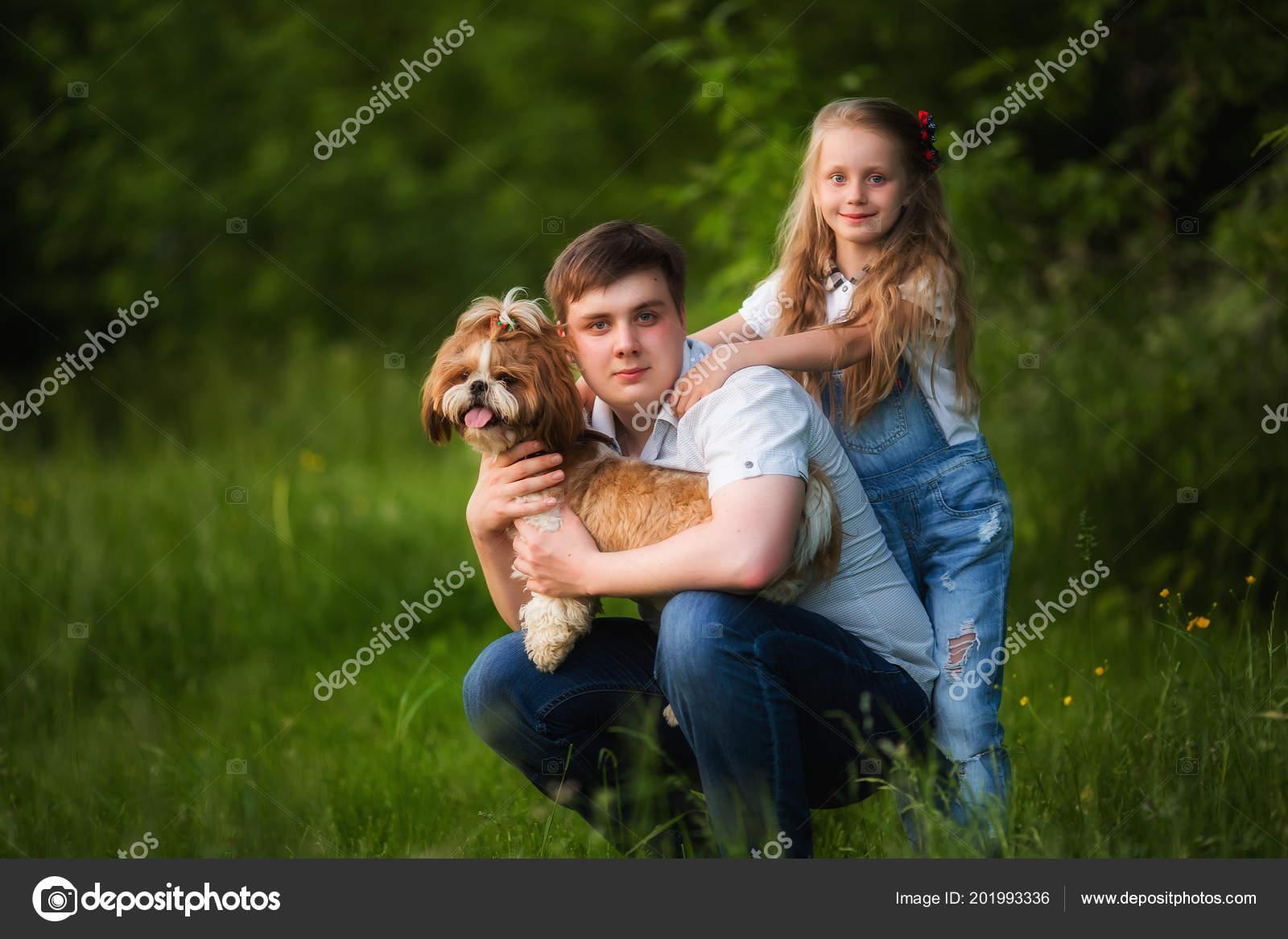 Старший брат и младшая сестра одни на даче, Родные сестра и брат реальная домашка 13 фотография