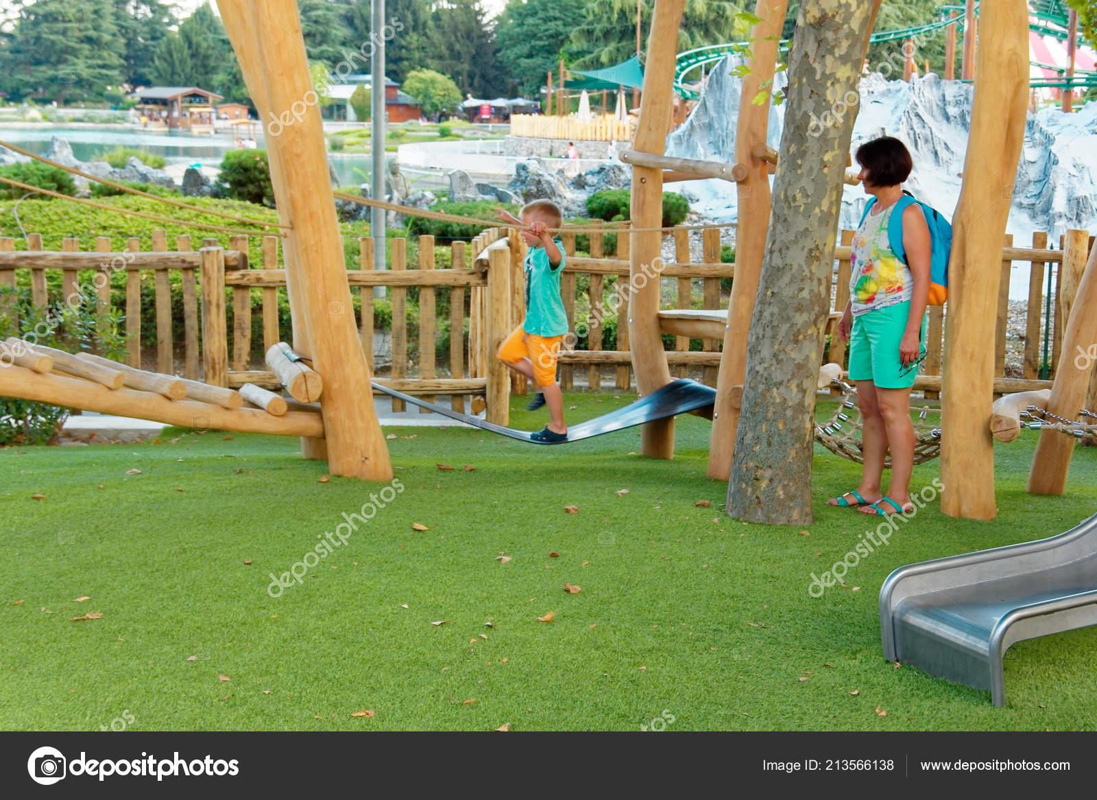 Verona Italia Agosto 2018 Parque Atracciones Leoland Juegos