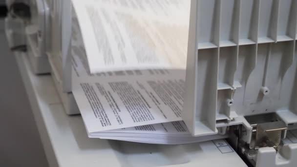 Detail eines modernen Digitaldruckers eines Kopierzentrums