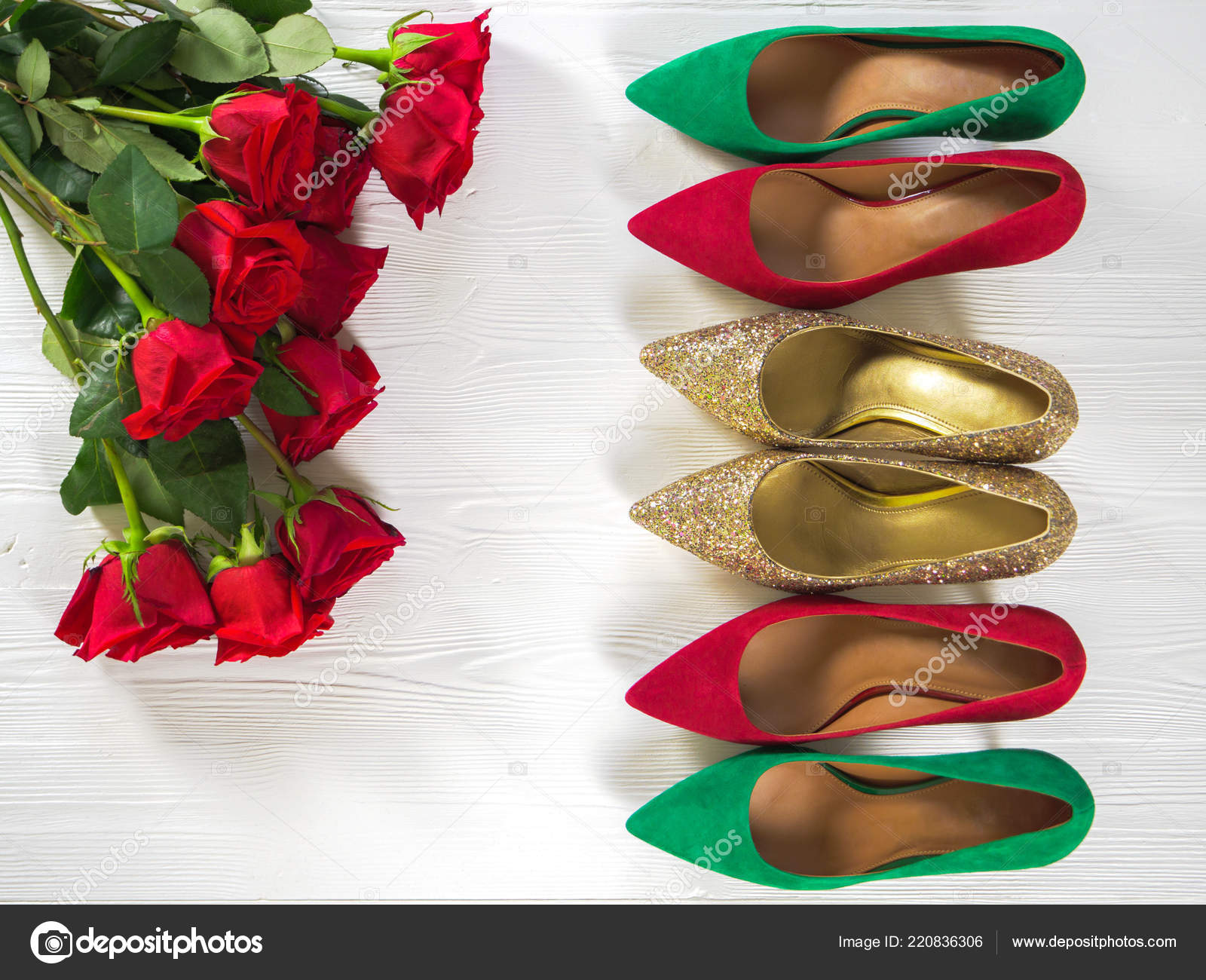 8f01979d0e6 Womens Shoes Suede Green Red Gold Chunky Glitter Heels Pumps — Stock ...